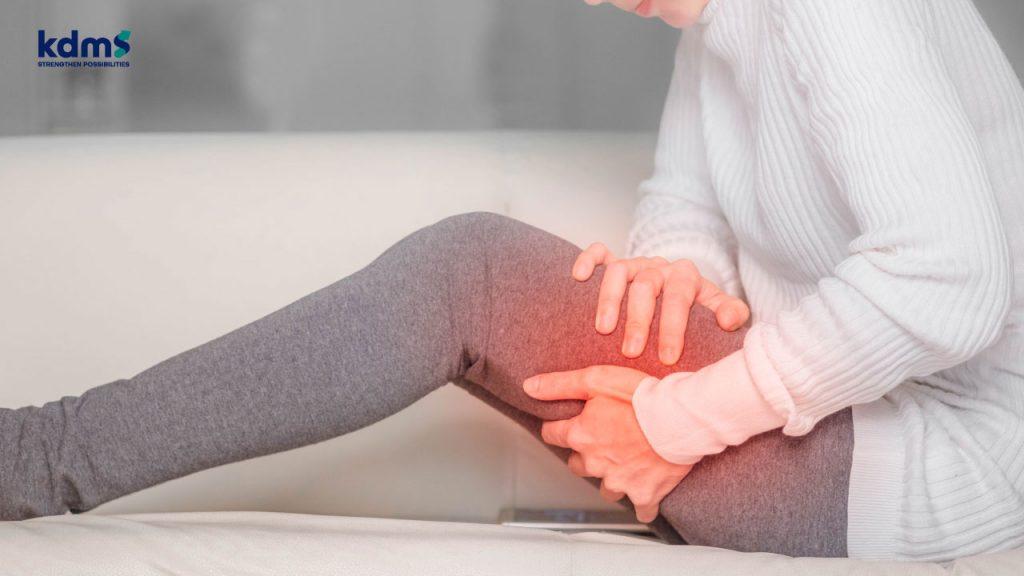 อาการปวดบริเวณต้นขา เป็นสัญญาณเตือนที่จะนำไปสู่โรคข้อสะโพกเสื่อมได้